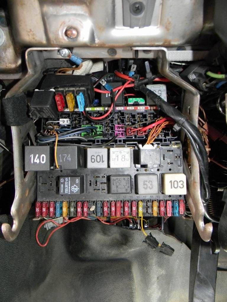 Датчик экстренного торможения ESS Volkswagen T4 - установка